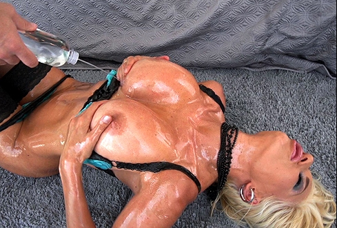 The anal oiled milf does not