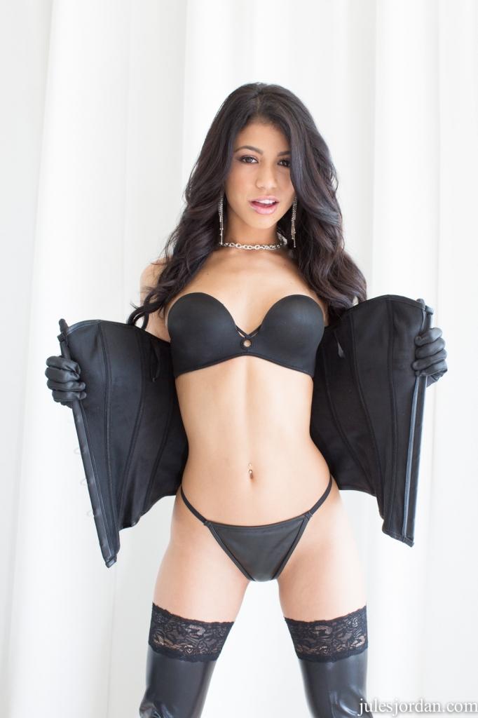 Jules jordan sexy
